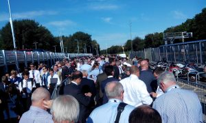 Farnborough queue for the shuttle