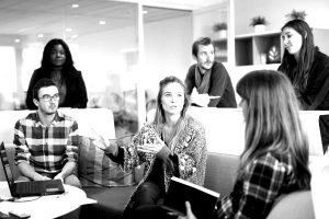 pexels-photo-57825-e1493106045113-blackwhite