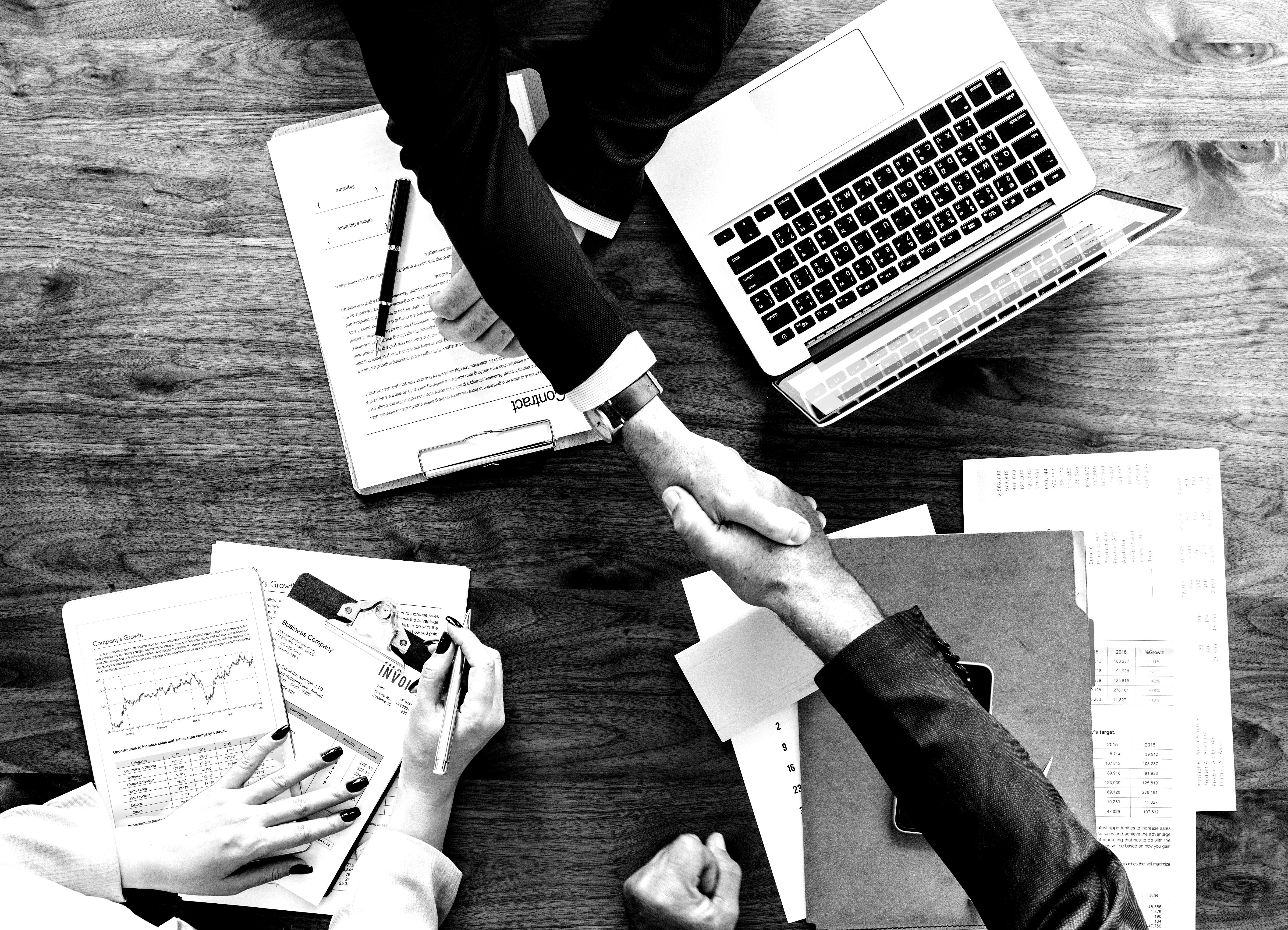 businessman-collaborate-collaboration-872957-blackwhite
